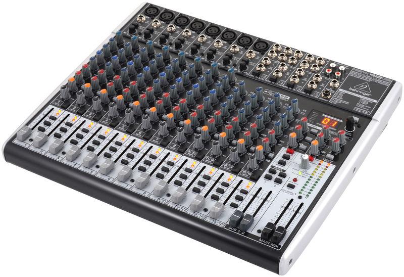 Behringer Xenyx X2222USB - Mixer